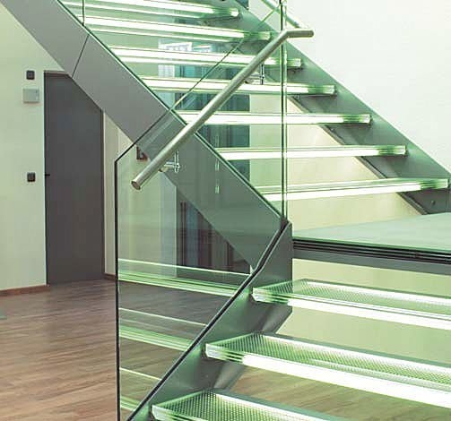 lateral-stringer-staircase