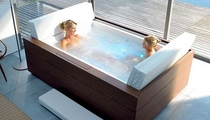 hydromassage bath-tub