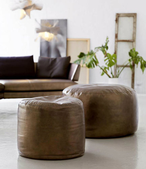 leather-pouf