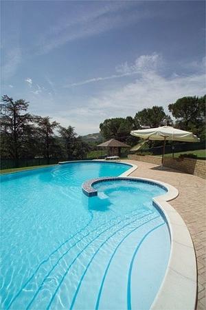 wall-swimming-pool
