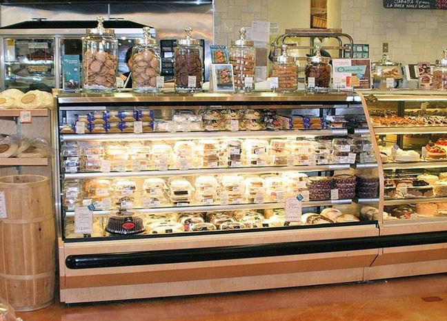 Refrigerated Display Case With Shelves Illuminated For Shops SHVS Hussmann
