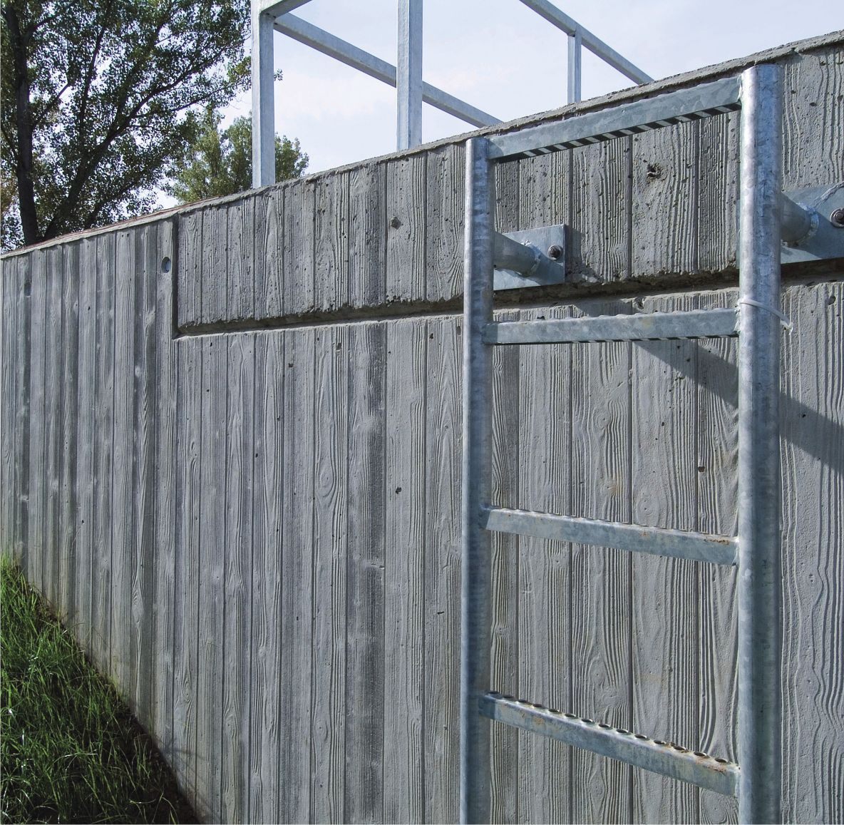 Enclosure wall form liner / wood look / stamped concrete ...