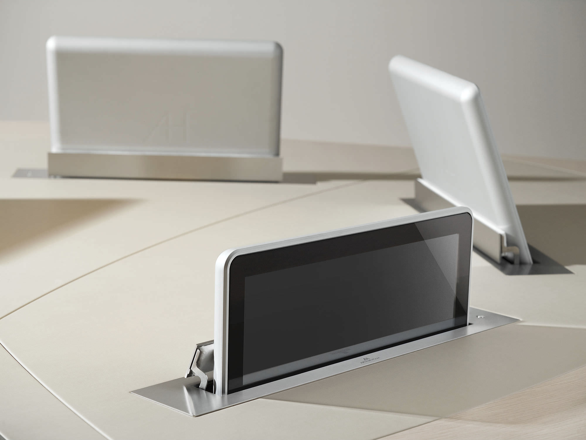 ... Conference table touch screen / wall-mounted / retractable DYNAMICX2  Arthur Holm ...