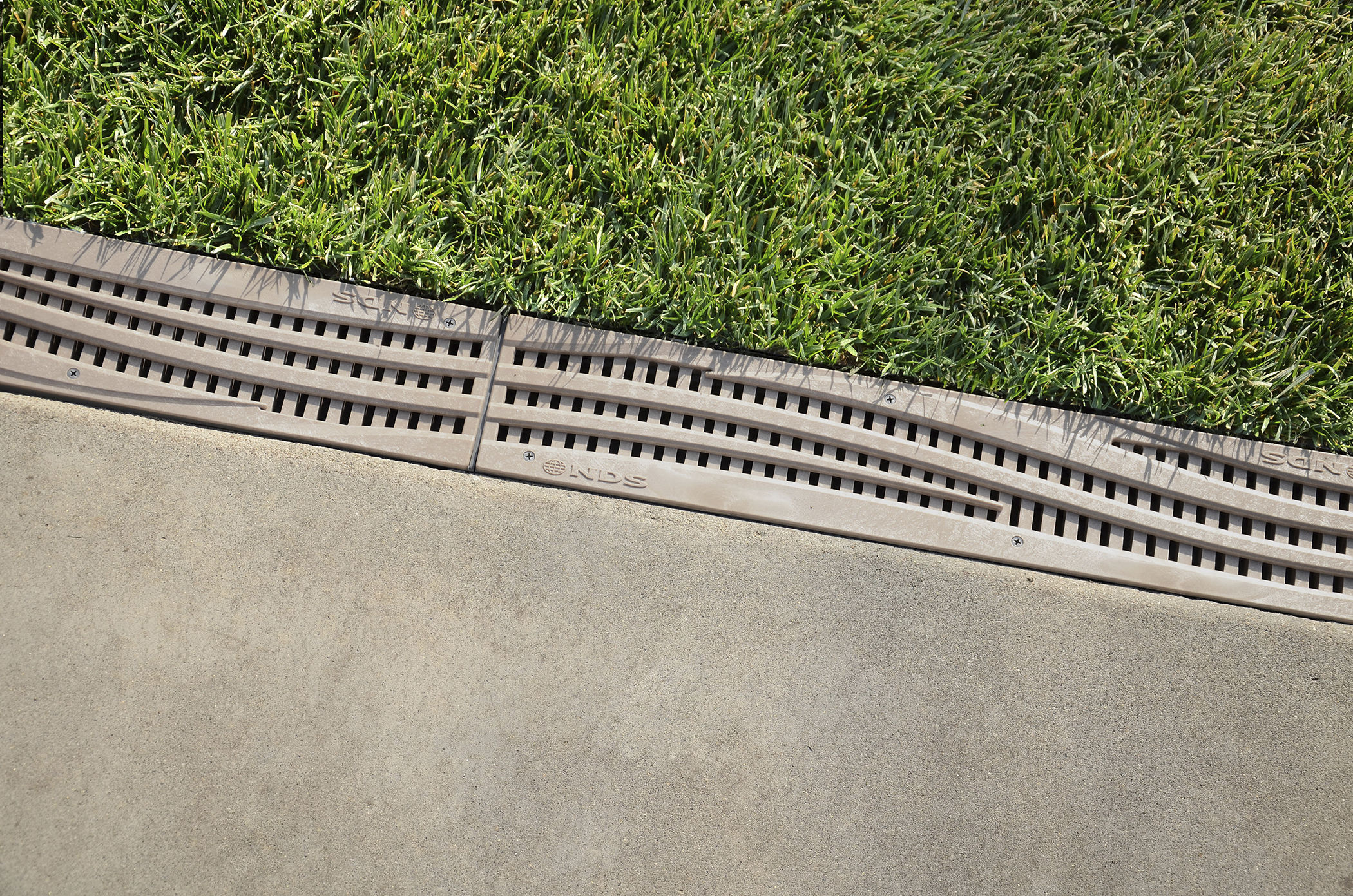 Attrayant Patio Drainage Channel / Concrete / With Grating   SPEE D