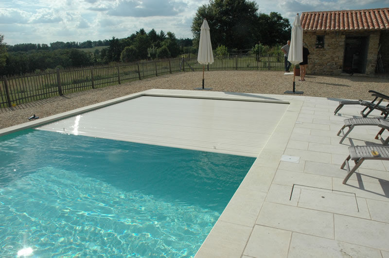 Beautiful ... Automatic Swimming Pool Cover / Security / Immersed ELEGANCE : WHEEL  GUIDERS Aqua Cover ...