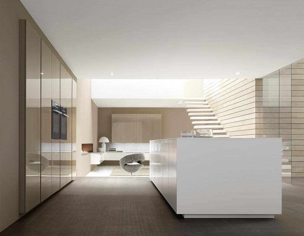 Contemporary kitchen / laminate / island / lacquered - LINEA by ... - Cuisine Comprex