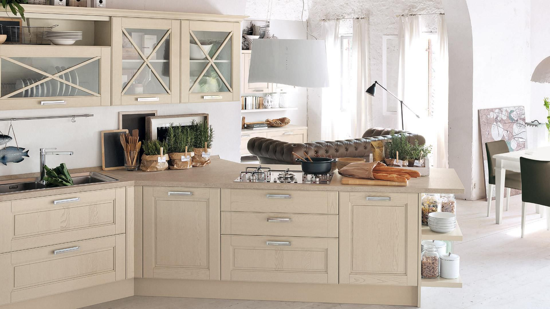Traditional kitchen / solid wood - AGNESE - CUCINE LUBE