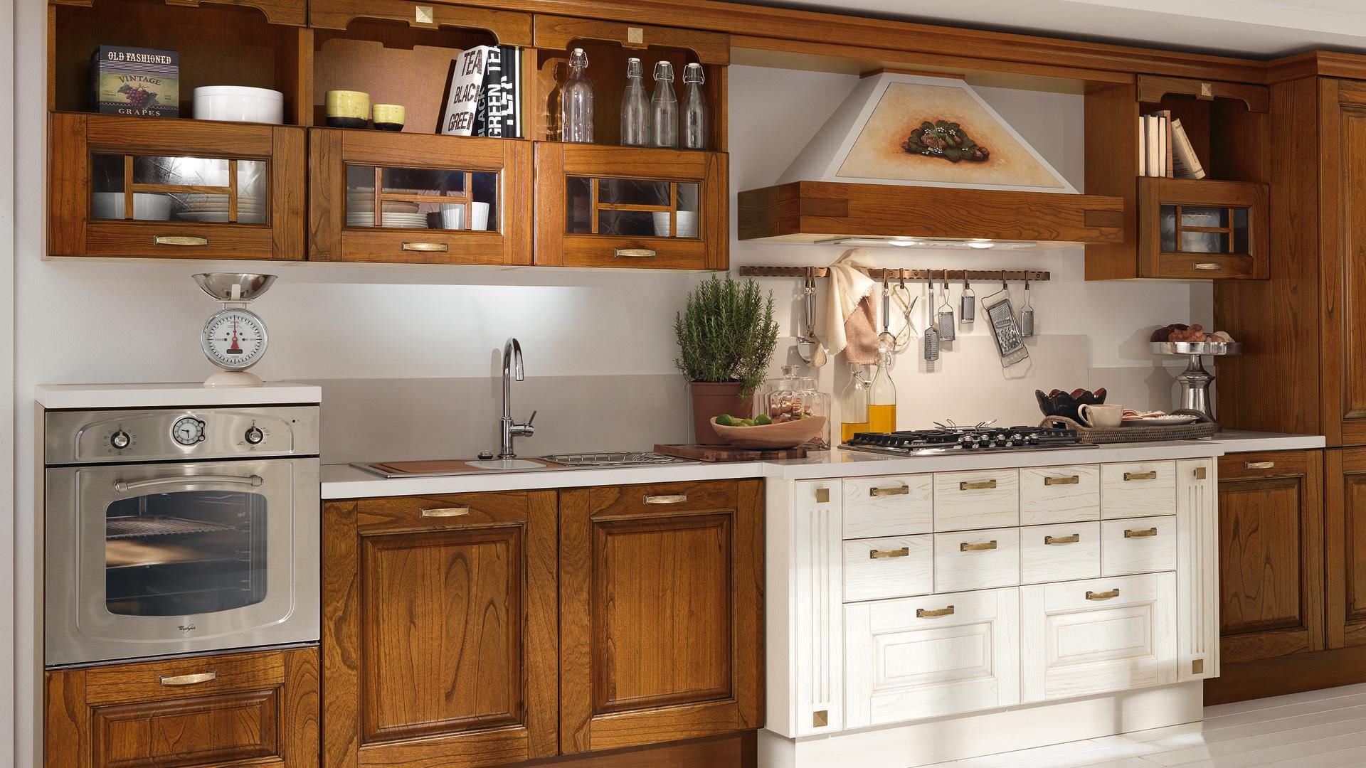 Traditional kitchen / solid wood - LAURA - CUCINE LUBE - Videos