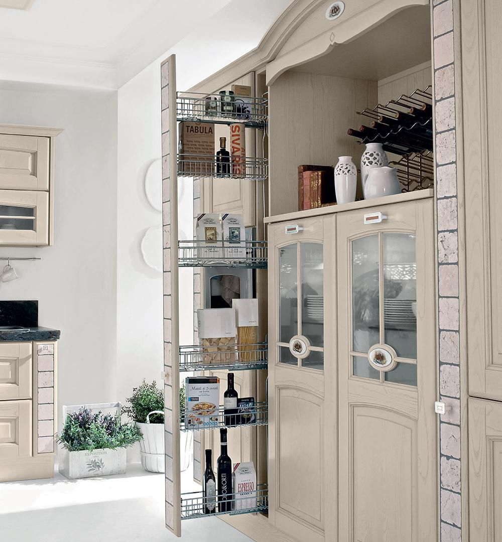 Traditional kitchen / wooden - VERONICA - CUCINE LUBE