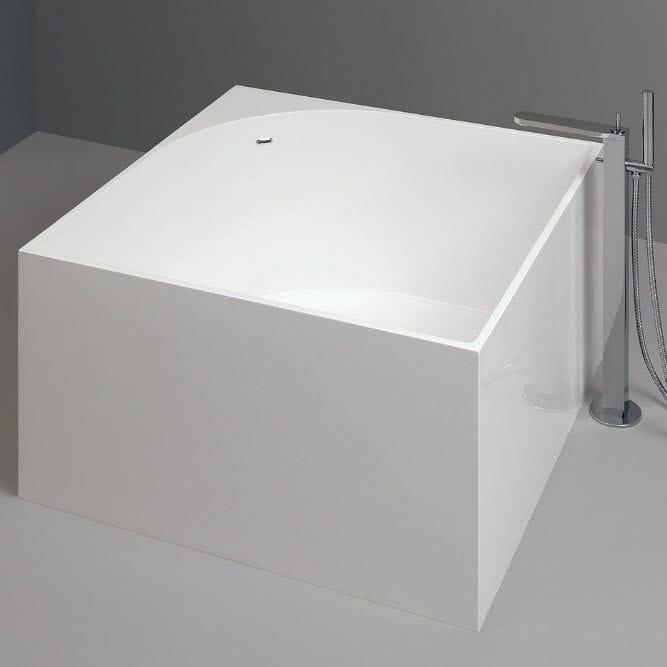 free-standing bathtub / square / acrylic - nic design