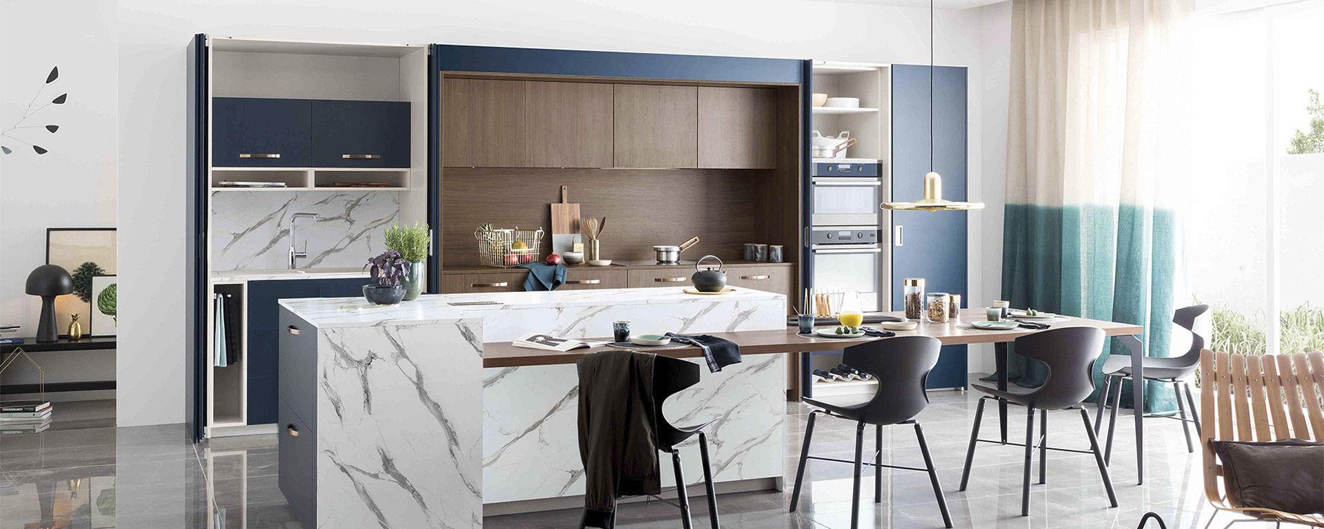 Contemporary Kitchen / Wood Veneer / Walnut / Marble AMBIANCE CONTEMPORAINE  Mobalpa ...