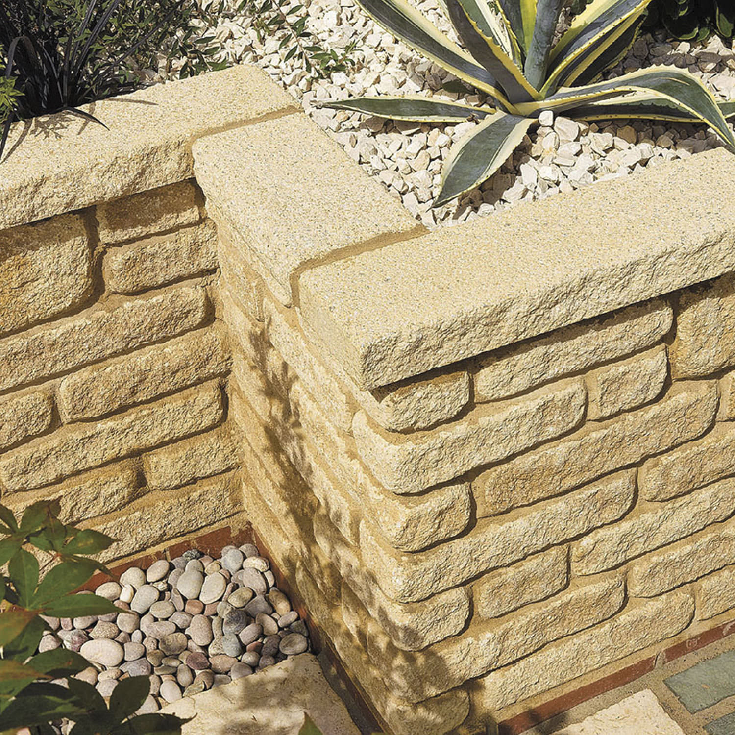 Old Fashioned Decorative Garden Wall Blocks Photo - The Wall Art ...