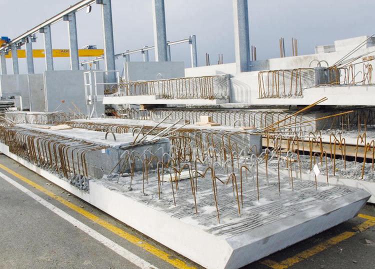 ... Reinforced Concrete Precast Core Floor Slab / For Level Crossings ...