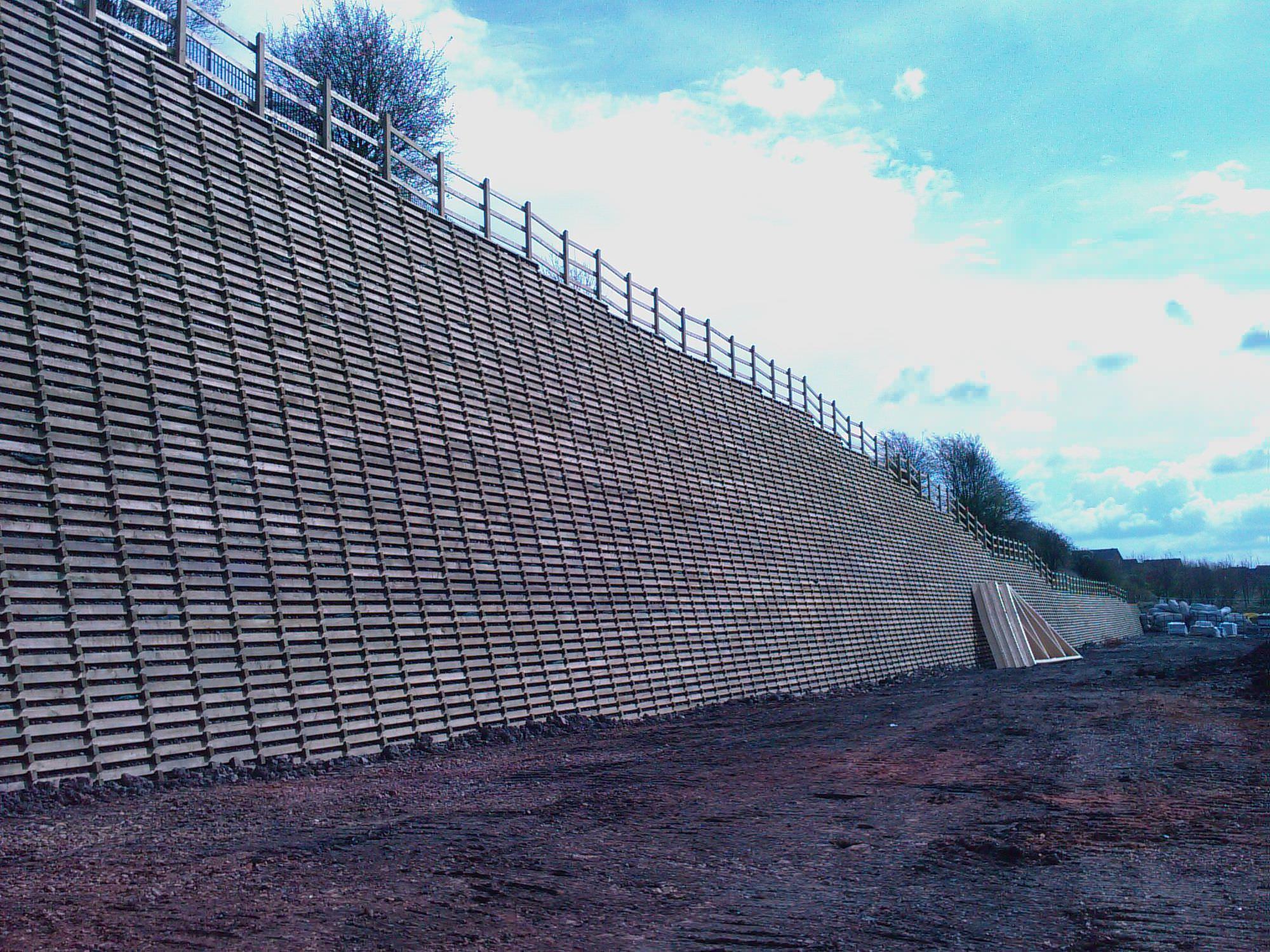 Wooden retaining wall modular PERMACRIB Phi Group