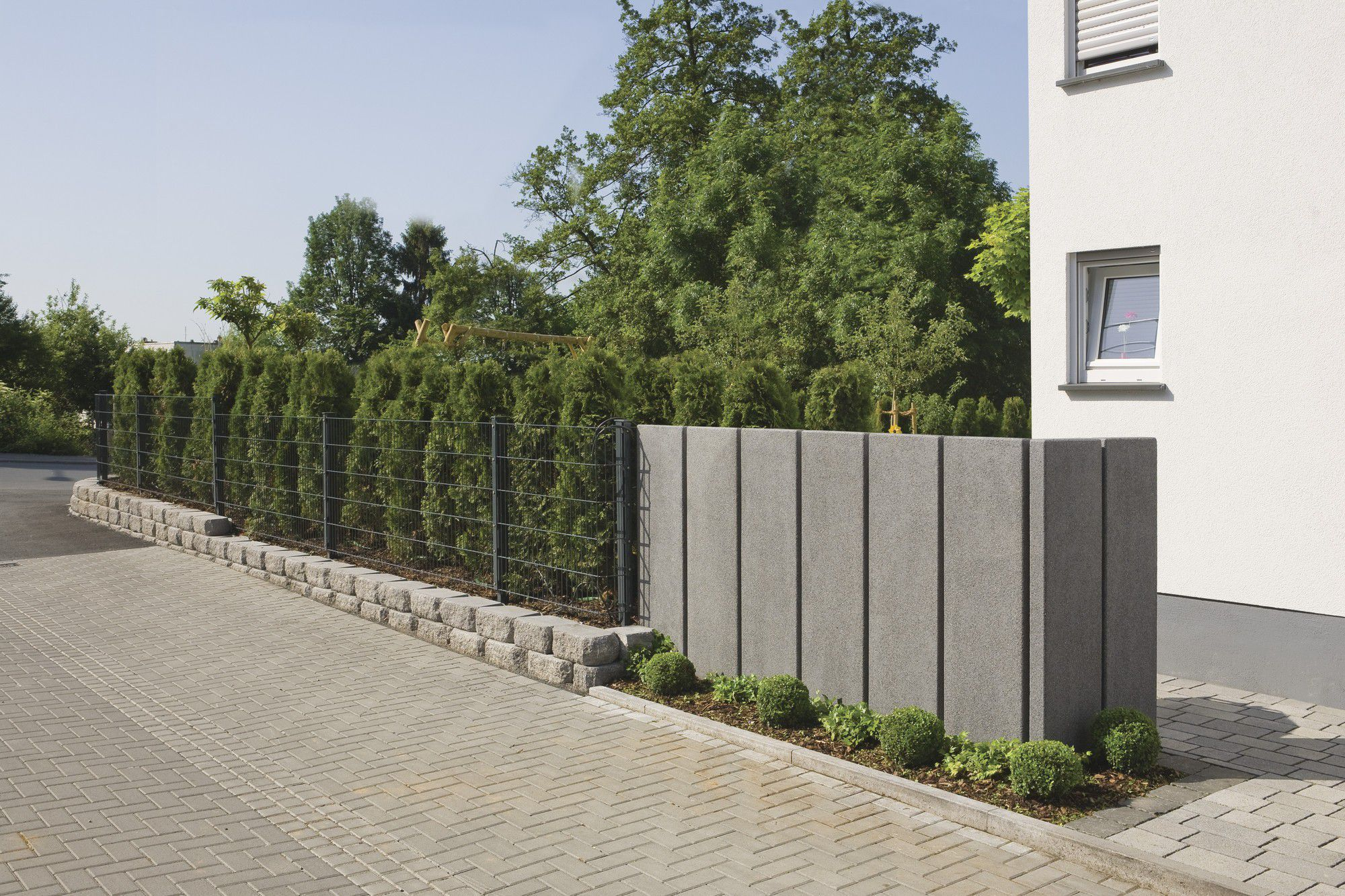Perfect Garden Fence / With Panels / Concrete ...