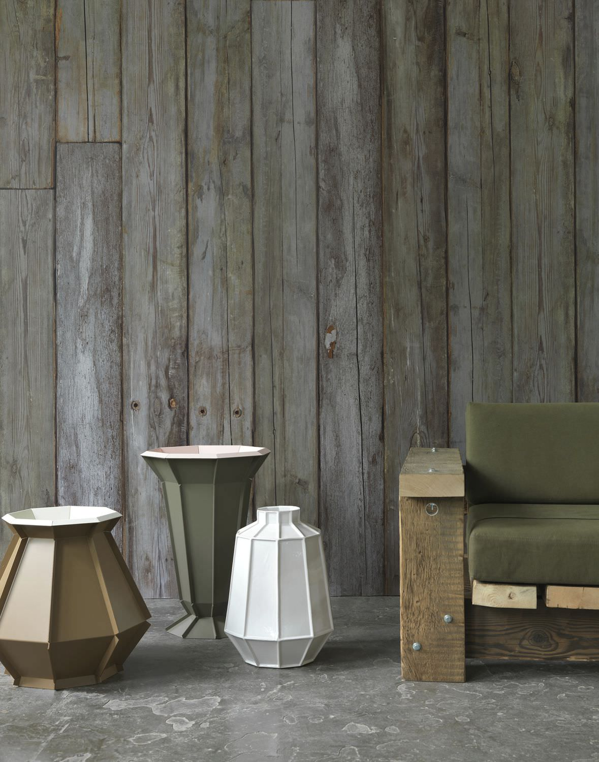Traditional Wallpaper Rustic Patterned Wood Look