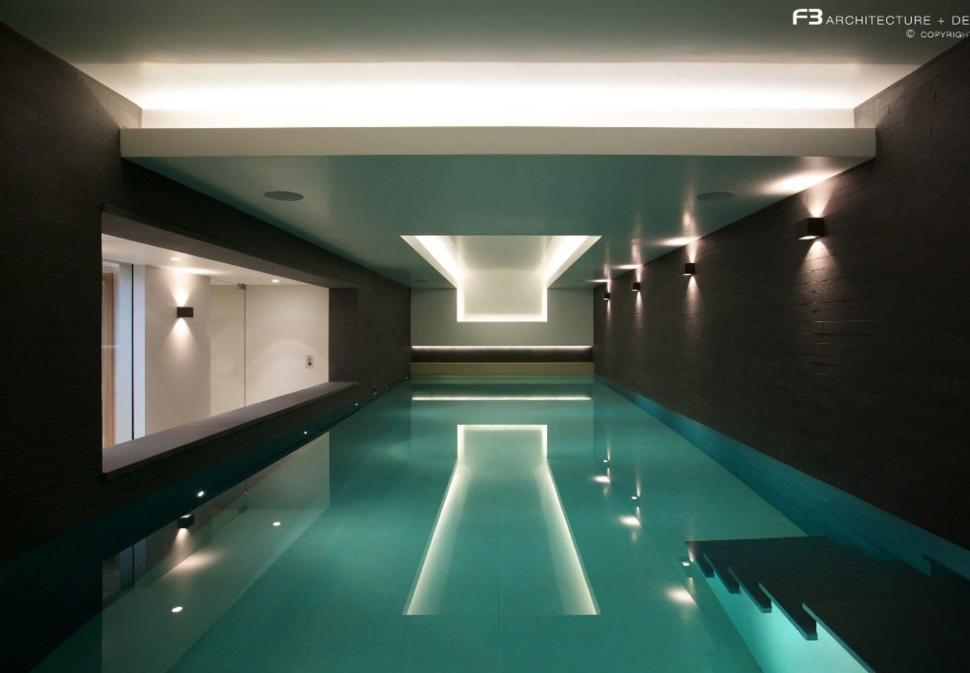 In-ground swimming pool / concrete / infinity / mosaic ...