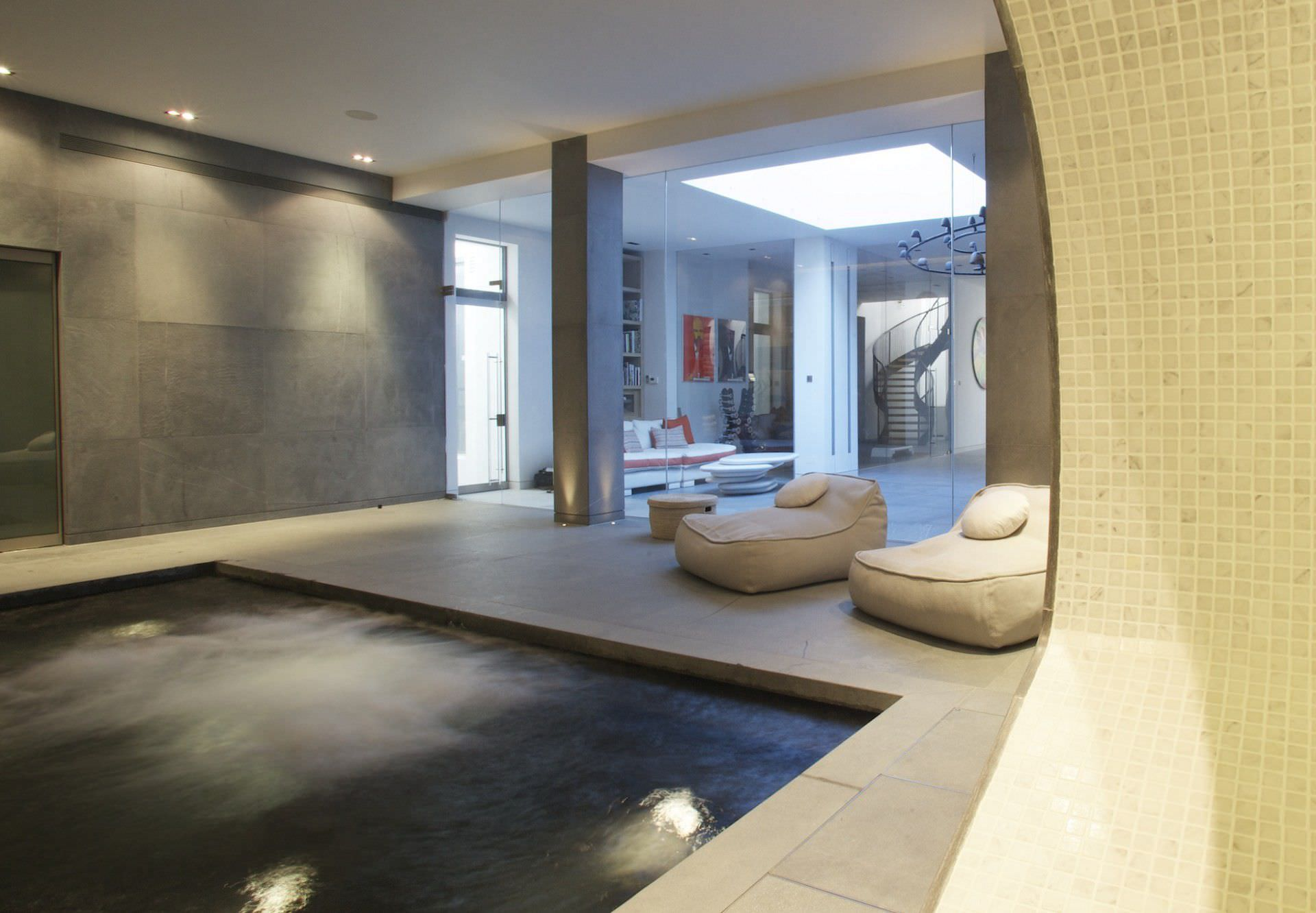 in-ground swimming pool / concrete / indoor - london - guncast