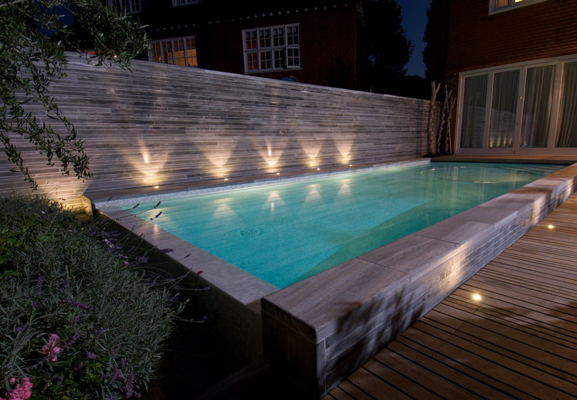 ... In Ground Swimming Pool / Concrete / Overflow / Outdoor HAMPSTEAD  GUNCAST SWIMMING POOLS ...