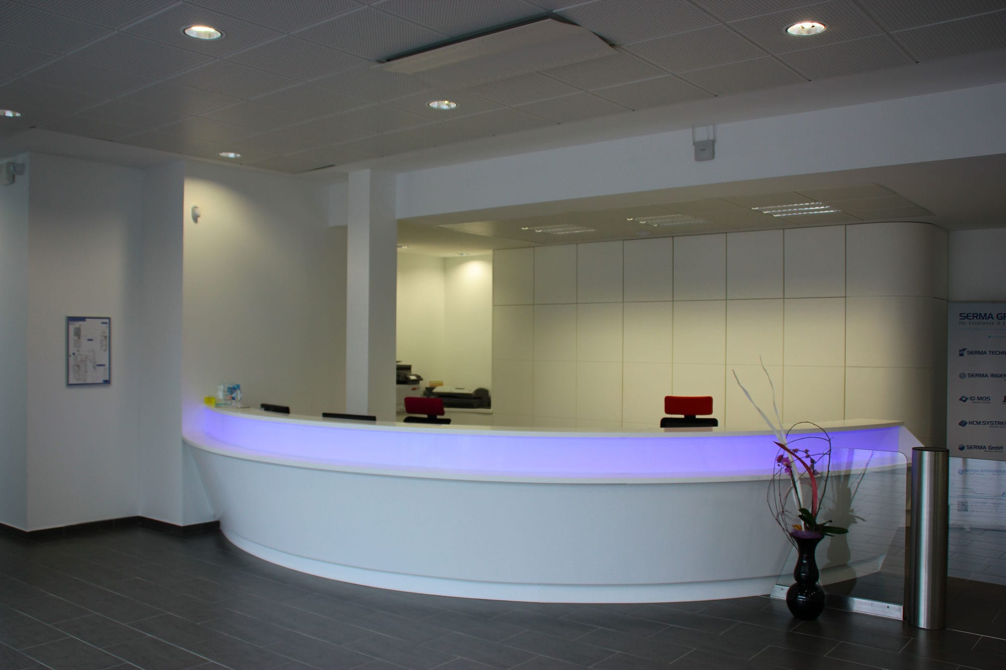 Semicircular Reception Desk Solid Surface Illuminated For Hotels 6