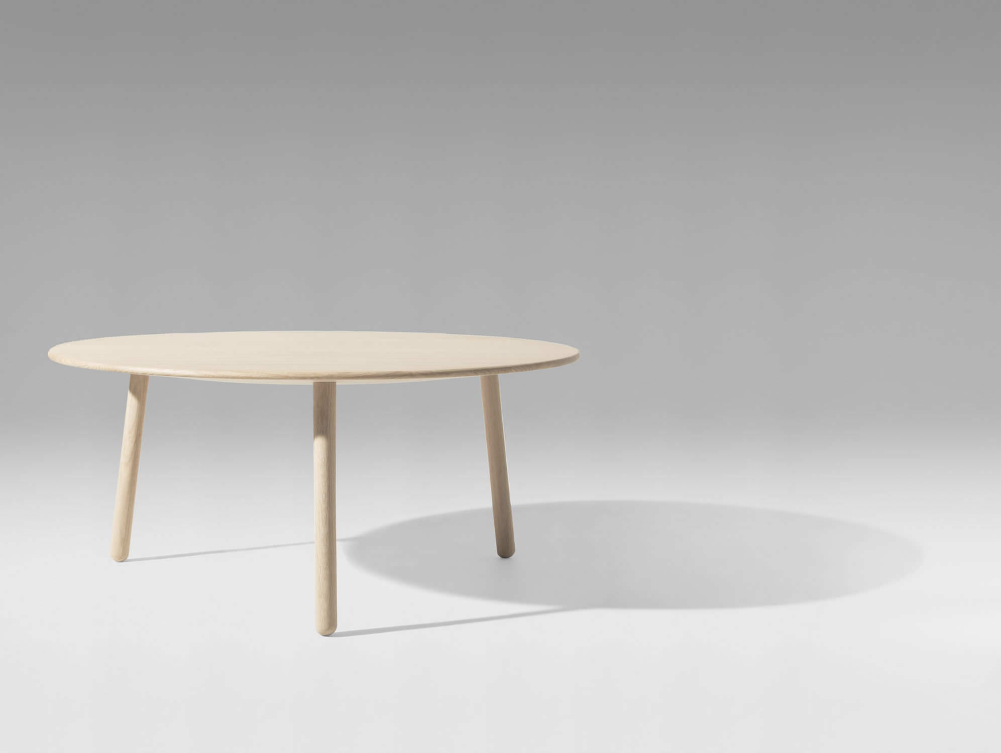 ... Contemporary Coffee Table / Oak / Ash / Round KNOCK ON WOOD By Peter  Barreth Versus ...