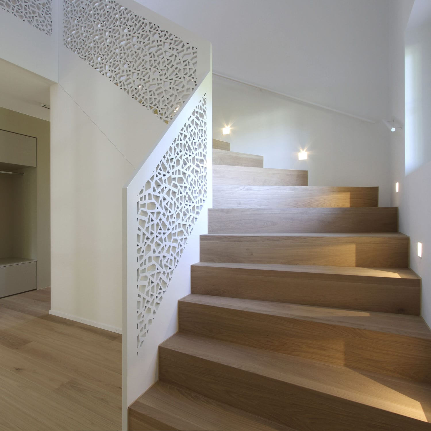 MDF Railing / With Panels / Indoor / For Stairs