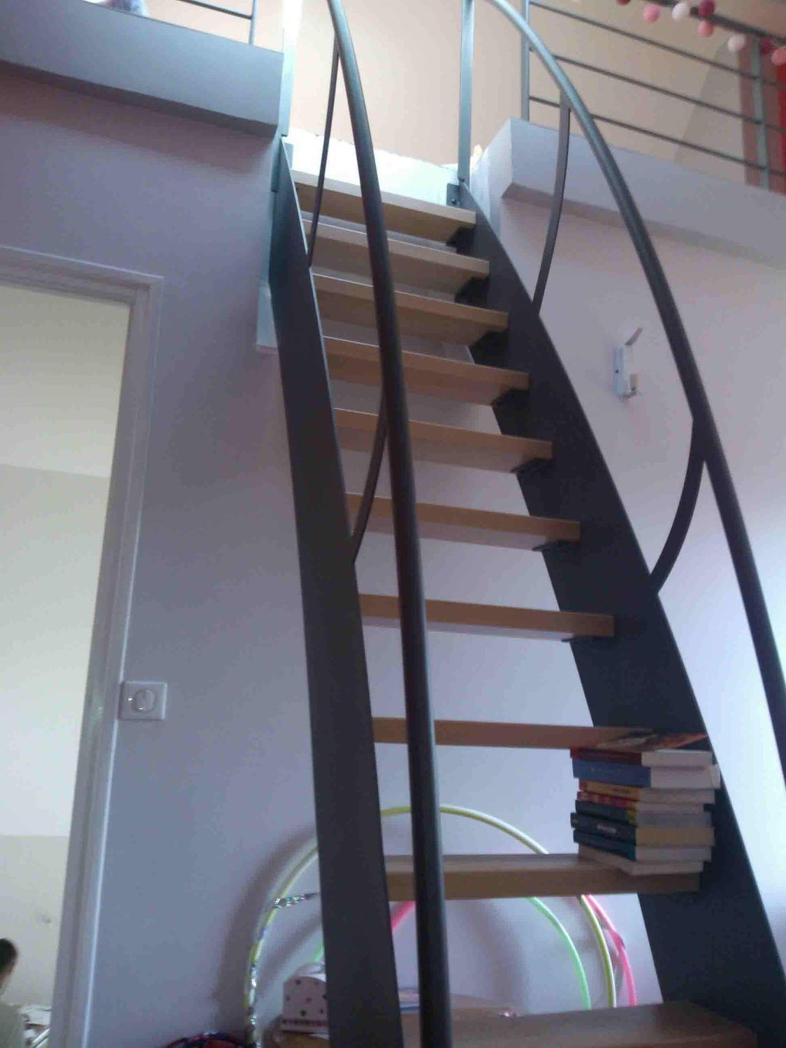 Straight Staircase Metal Frame Wooden Steps Without
