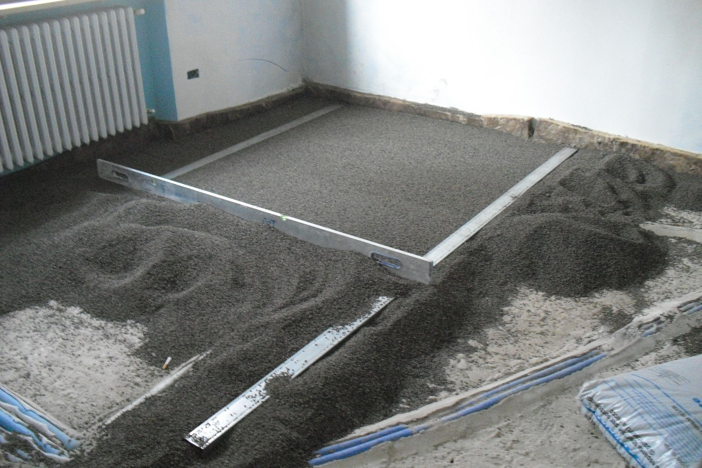 Floor screed with expanded clay 95