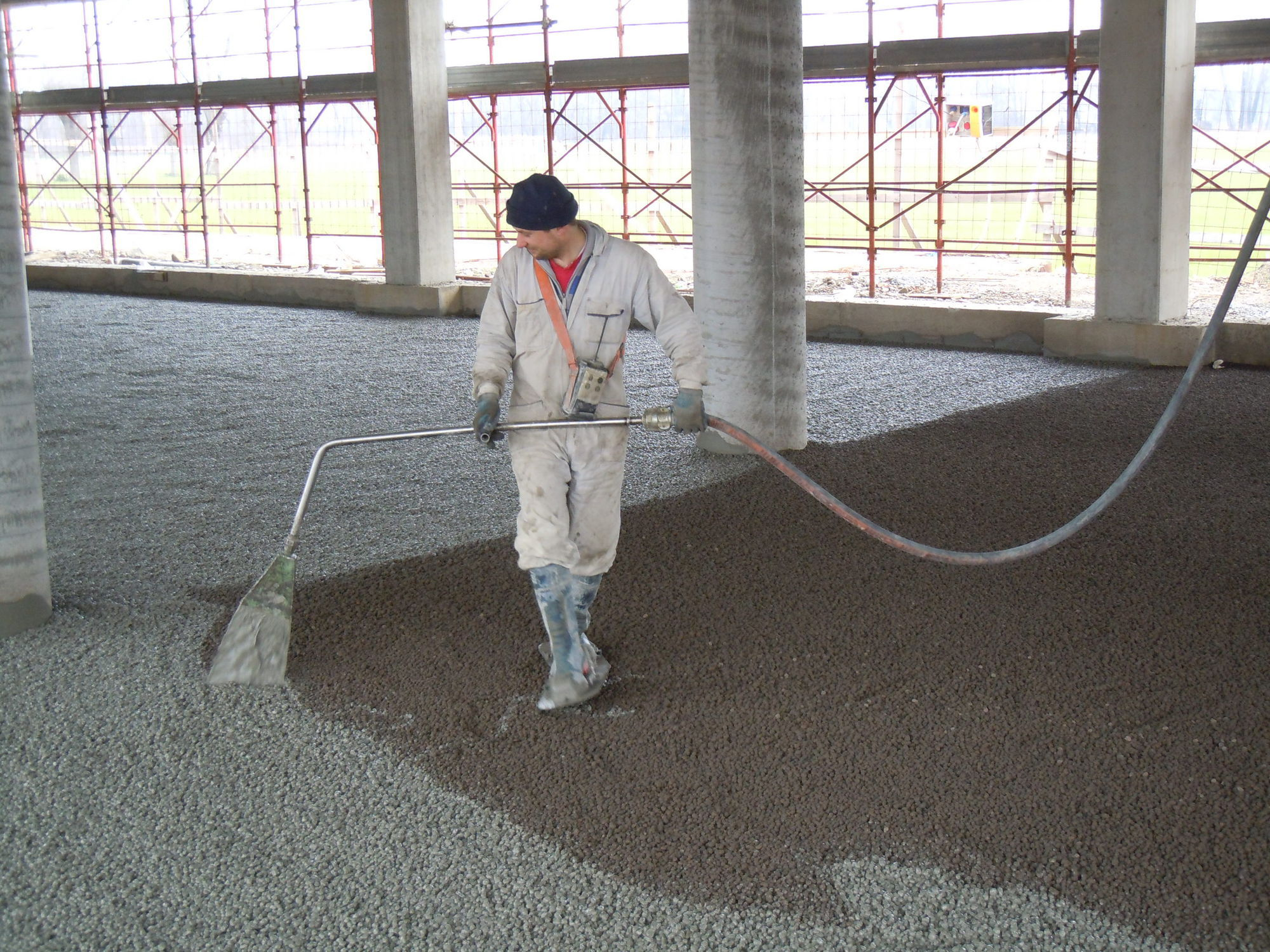 Floor screed with expanded clay 20