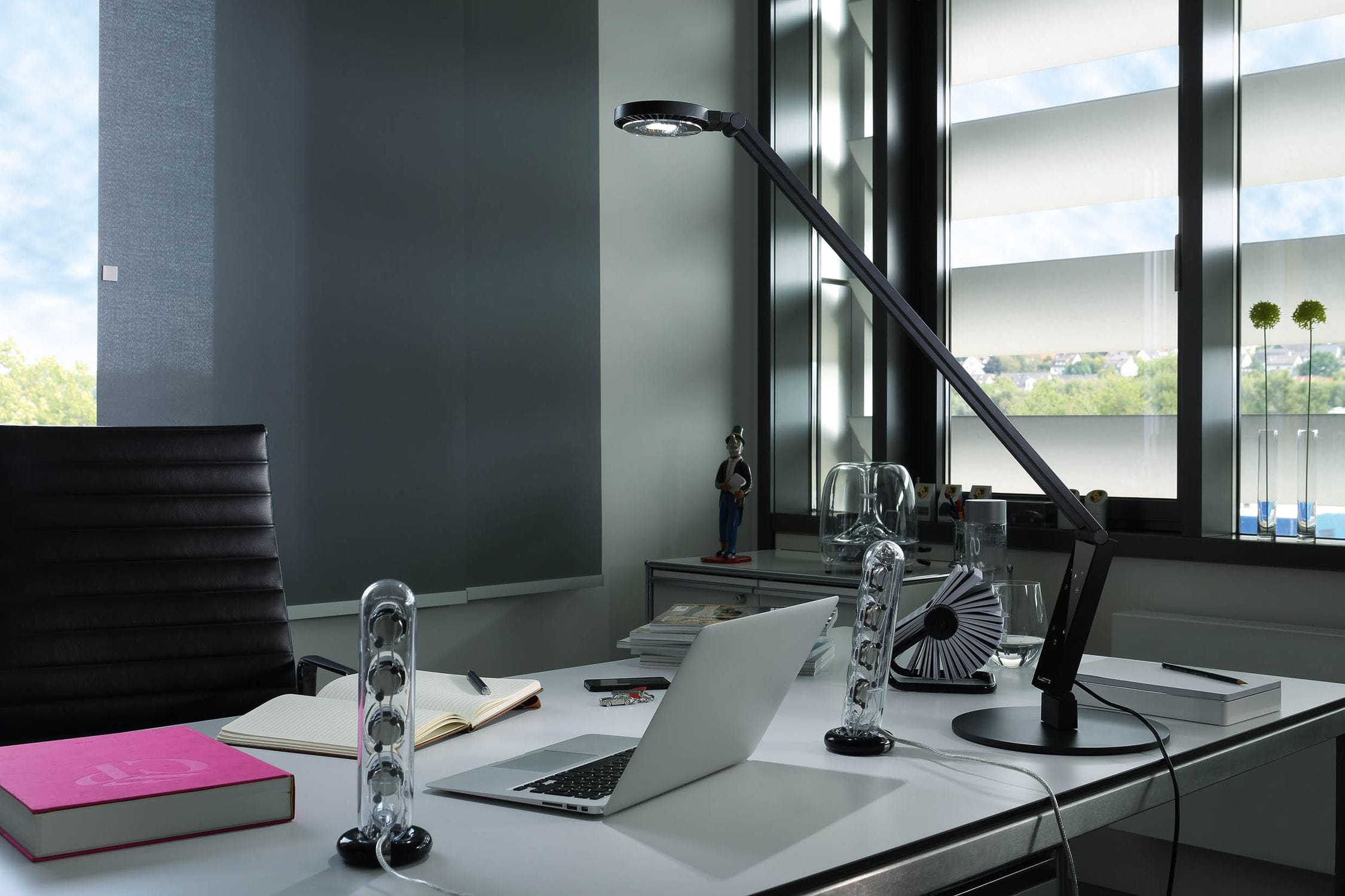 Desk Lamp / Contemporary / Aluminum / Steel. RADIAL TABLE PRO Luctra