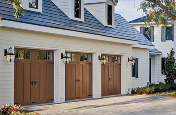 Bon Sectional Garage Door / Steel / Automatic   CANYON RIDGE®: LIMITED EDITION  SERIES