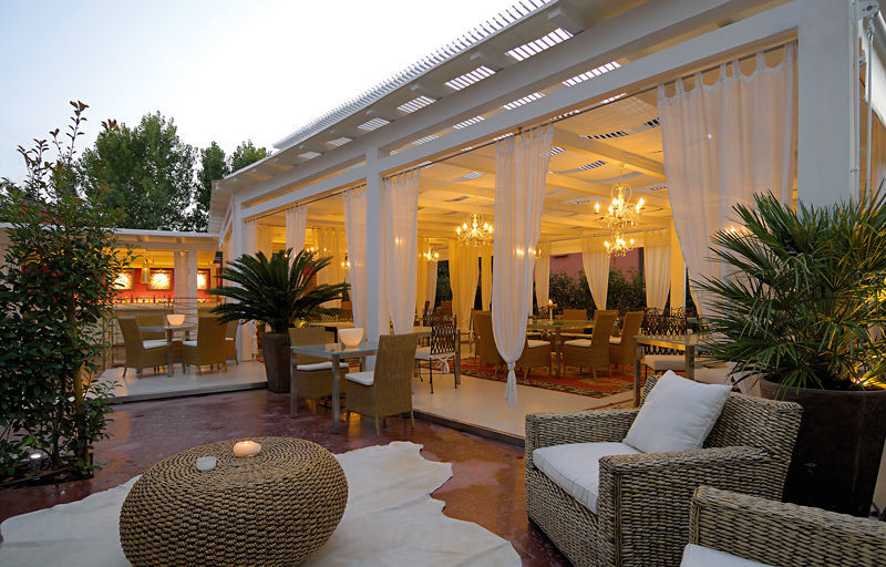 ... self-supporting pergola / aluminum / with mobile slats / modular - Self-supporting Pergola / Aluminum / With Mobile Slats / Modular