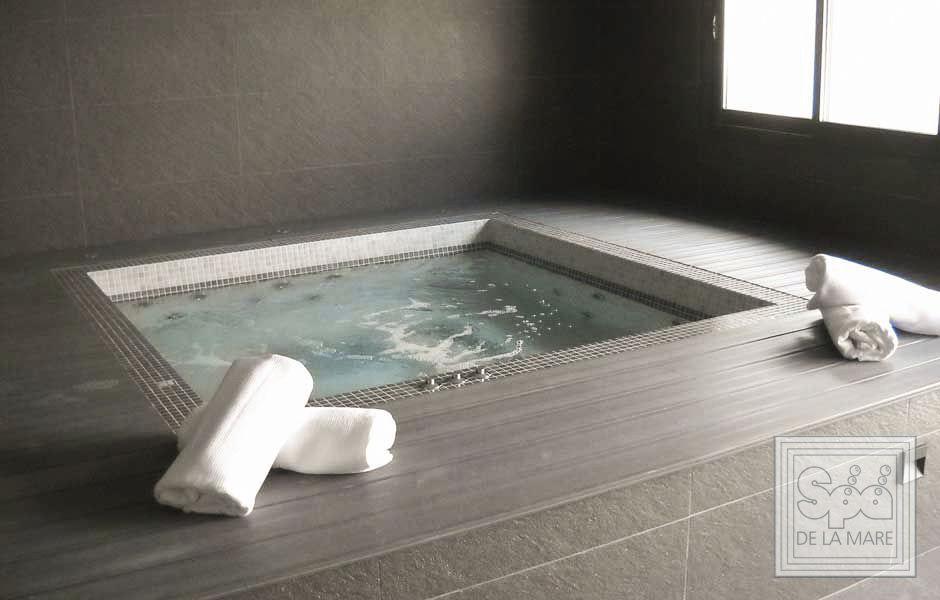 Built-in hot tub / square / 8-person / mosaic - PIAZZA - Spa De La Mare