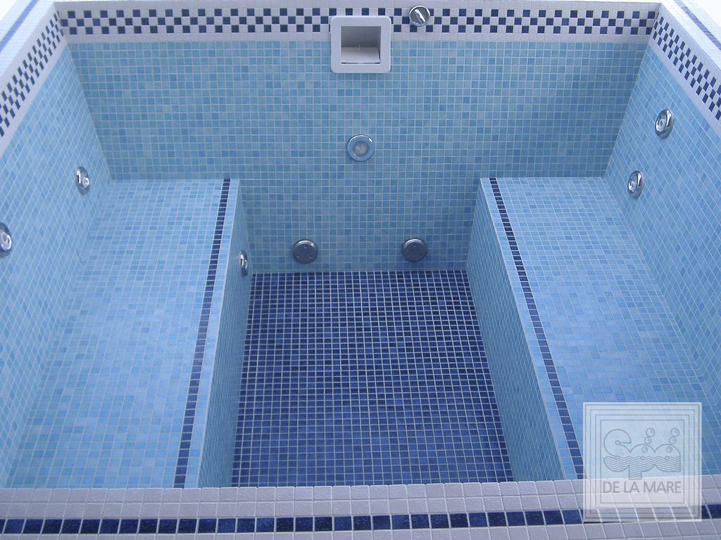 Built-in hot tub / square / 6-person / mosaic - PIAZZA BENCH - Spa ...