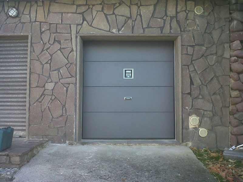 ... Sectional garage doors / metal / polyurethane foam / automatic AIR Delta Overlap & Sectional garage doors / metal / polyurethane foam / automatic - AIR ...