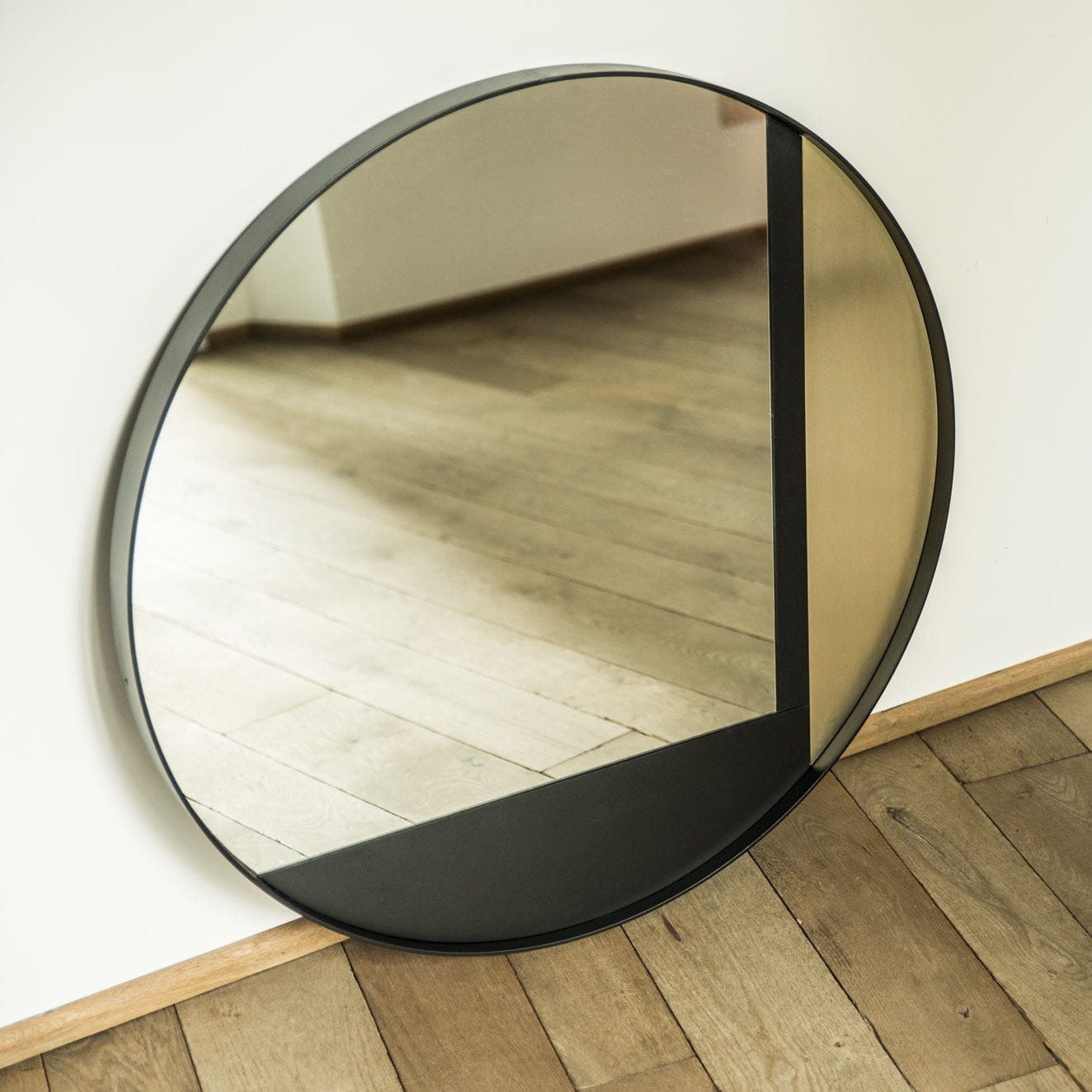 wallmounted mirror  contemporary  round  commercial  ed  - wallmounted mirror  contemporary  round  commercial  ed
