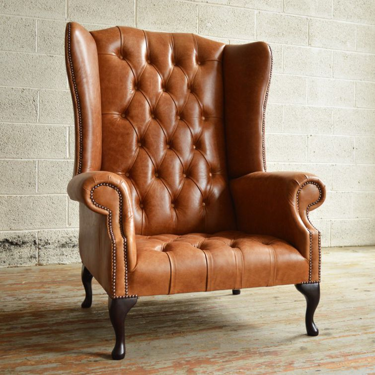Merveilleux Chesterfield Armchair / Velvet / Leather / Mahogany   BOSS