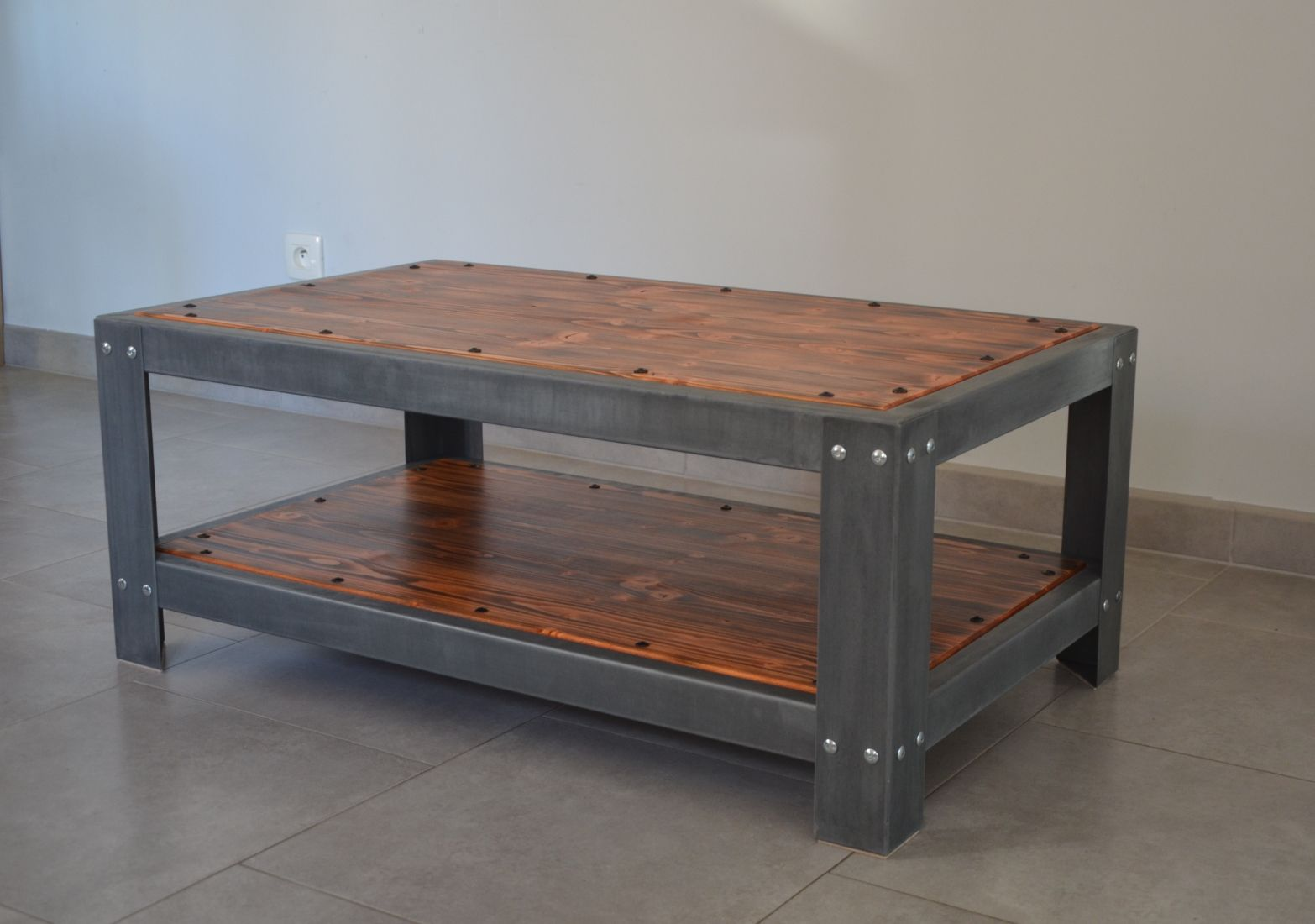 ... Industrial Style Coffee Table / Pine / Zinc / Rectangular