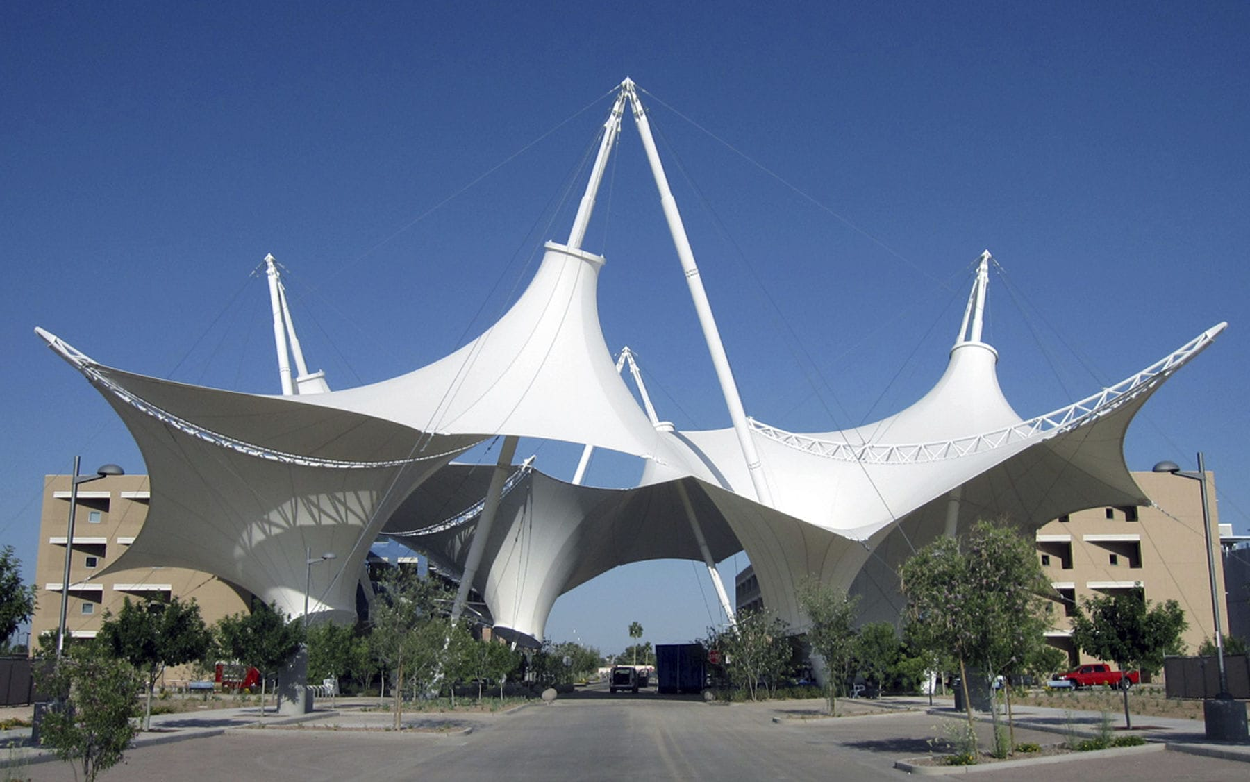 Cable-and-membrane tensile structure / canopy / for shelters / for ceilings - MAST-SUPPORTED TENSILE STRUCTURES & Cable-and-membrane tensile structure / canopy / for shelters / for ... memphite.com