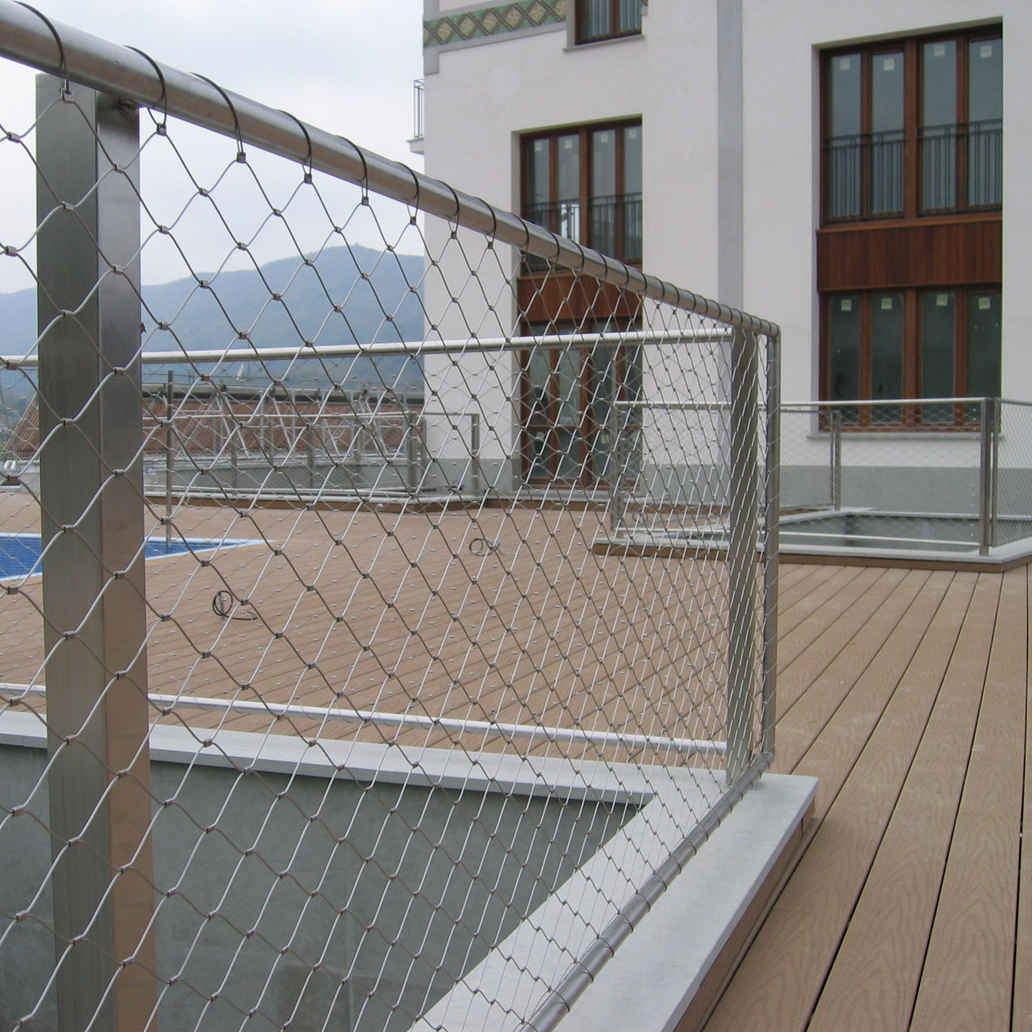 Wire facade mesh / for railing / stainless steel / diamond mesh ...