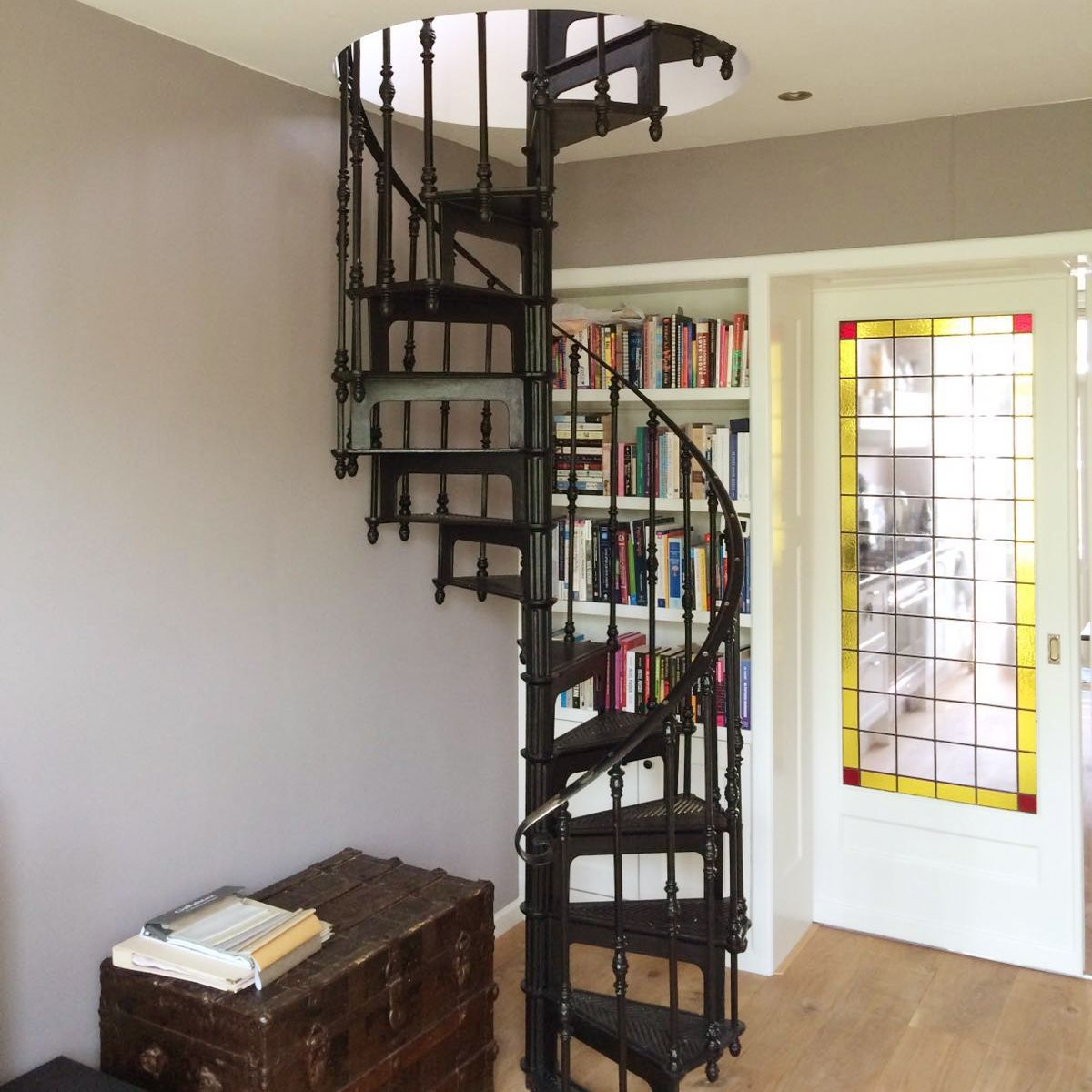 ... Spiral Staircase / Cast Iron Frame / Metal Frame / Cast Iron Steps ...