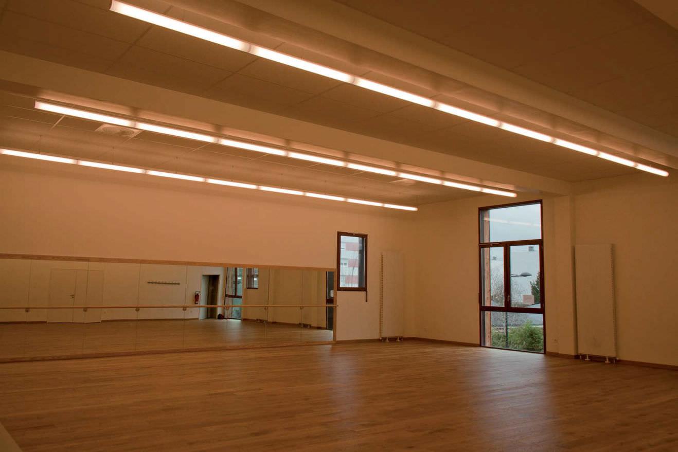 alter lighting. Hanging Light Fixture / Fluorescent Linear Polycarbonate Alter Lighting