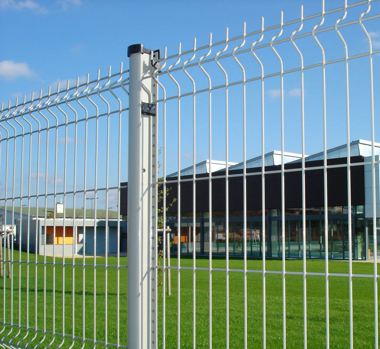 Industrial fence / welded mesh / galvanized steel / security ...