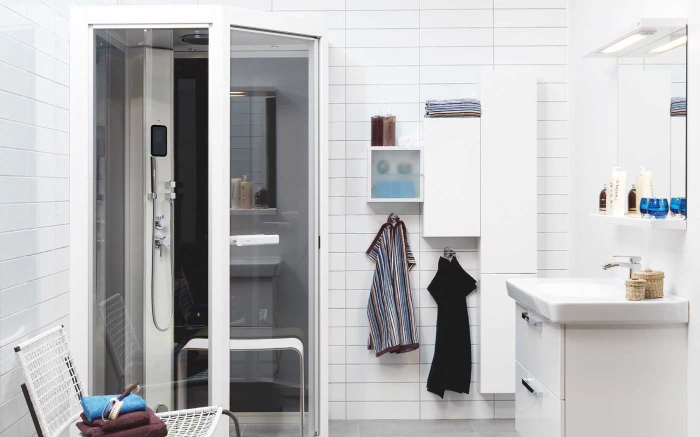 Steam shower cubicle / glass / rectangular / with hinged door - I110 ...