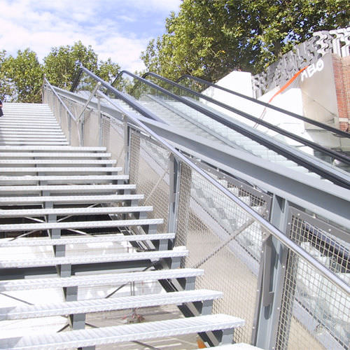 Stainless steel railing / wire mesh / outdoor / for stairs - DOKA ...
