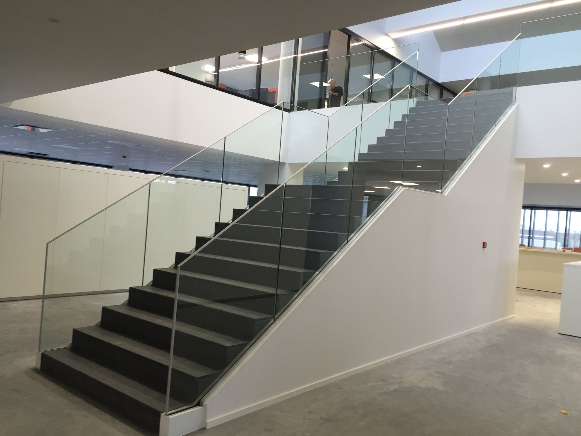 Ordinaire ... Glass Railing / With Panels / Indoor / For Stairs