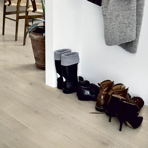 vinyl flooring / for hotels / for offices / for shops ...
