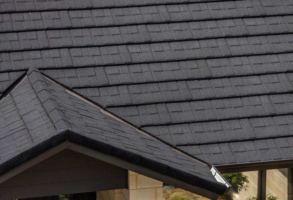 ... Steel Roofing / Slate Look / Flame Retardant ROYAL Metrotile