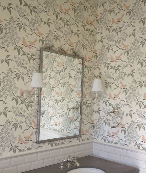 ... traditional wallpaper / fabric / floral ...