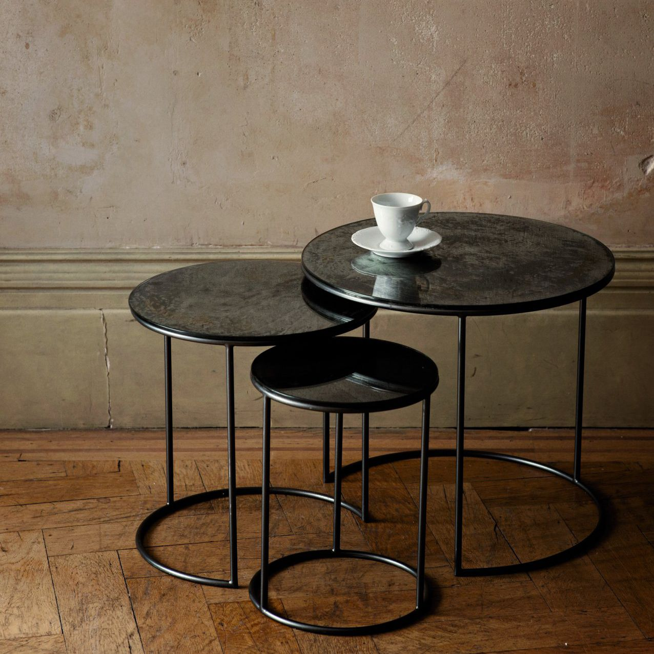 Contemporary Nesting Tables / Glass / Steel / Round   MOON